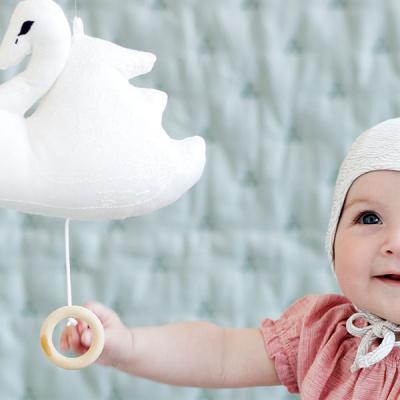 baby holder hvid svane fra cam cam
