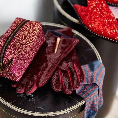 Unmade Copenhagen Lagersalg, accessories, røde hansker og pung