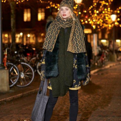 Unmade Copenhagen Lagersalg, tørklæde i snakeskin design
